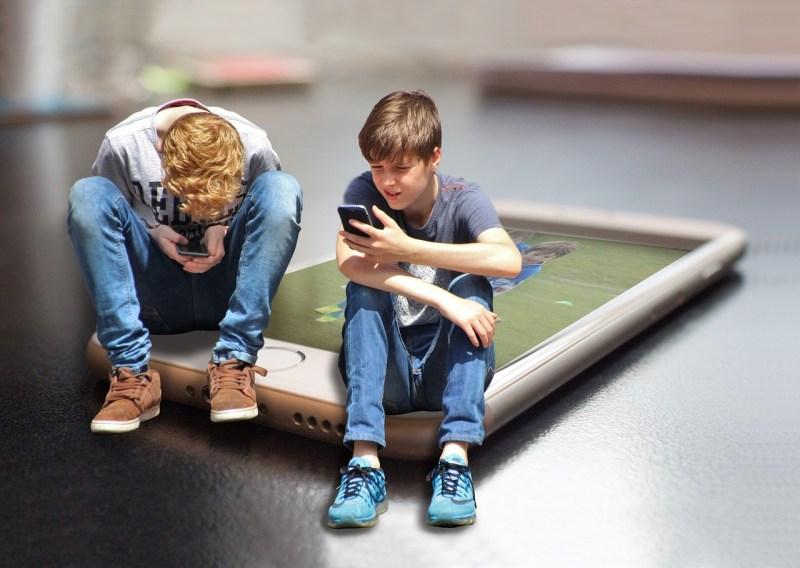 cyberbullismo - tecnologia - bambini - the minutes fly - web magazine