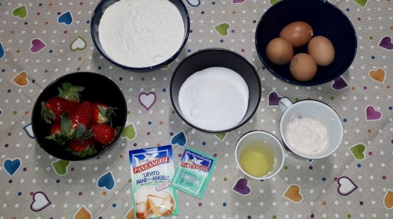 ciambella allo yogurt e fragole fresche - the minutes fly - web magazine
