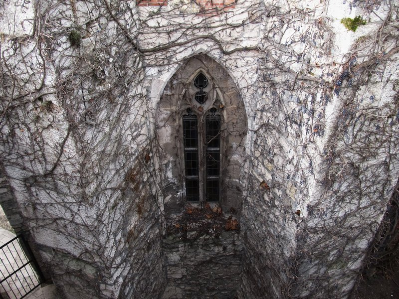 finestra castello - budapest - travel - the minutes fly - web magazine
