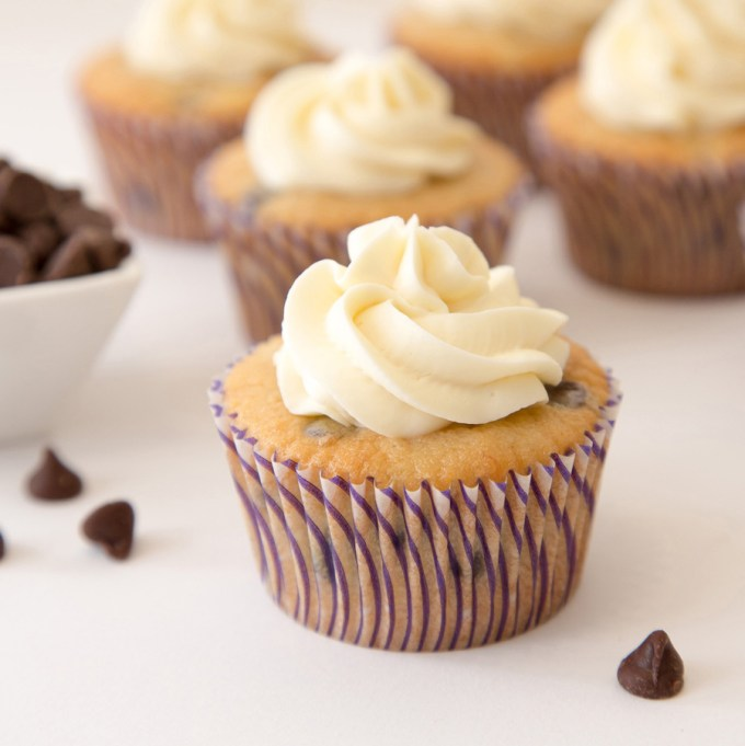 Banana Chocolate Chip Cupcakes with Cream Cheese Frosting sq