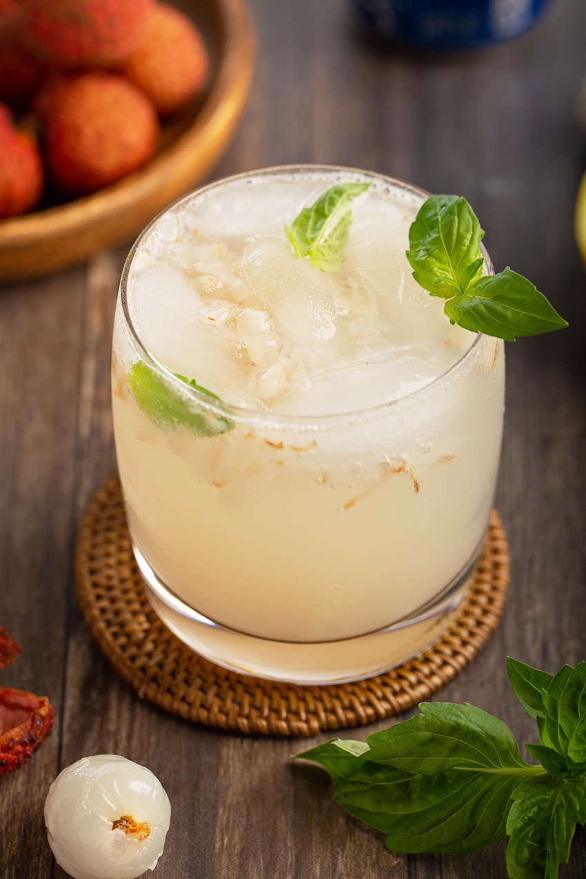 Lychee and Ginger Cooler #lychee #ginger #basil #mocktail #cocktail #summerrecipe #drink #vodka #cooler #alcohol #drinkrecipe | The Missing Lokness