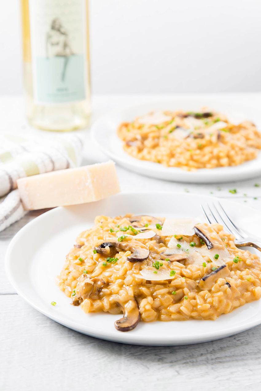 Black Garlic and Mushroom Risotto #blackgarlic #mushroom #risotto #dinner #dinnerrecipe #cheese #mascarpone | The Missing Lokness