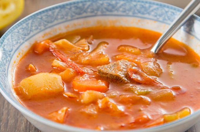 Hong Kong Style Borscht Soup