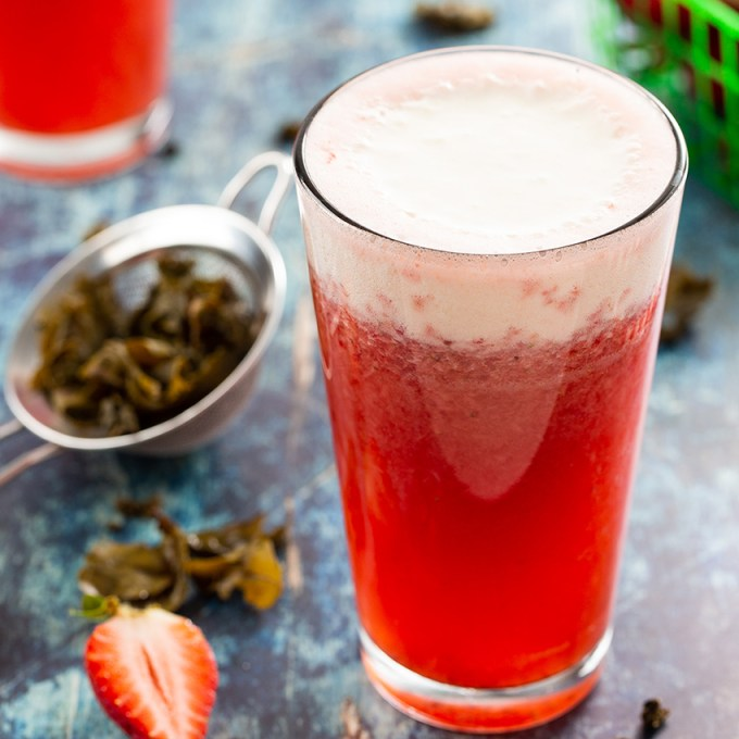 Strawberry Cheese Tea #tea #icedtea #strawberry #cheesetea #drink #strawberrytea #summerdrink | The Missing Lokness