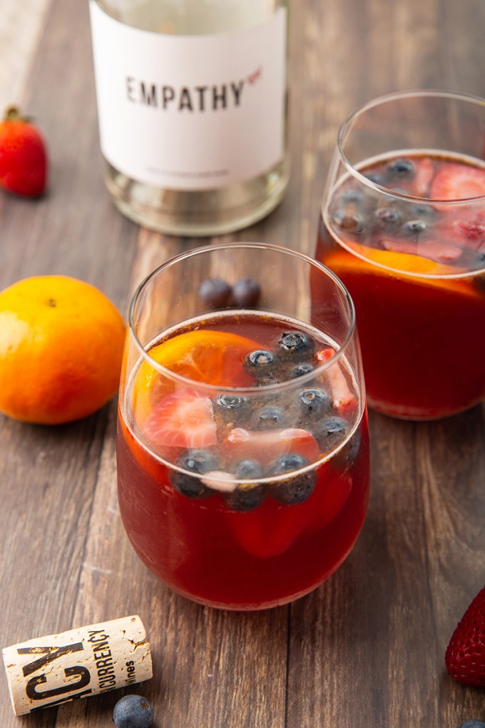 Raspberry Mandarin Rosé Sangria #rosé #sangria #mandarin #cocktail #drink #berries #mothersday #partyrecipe | The Missing Lokness