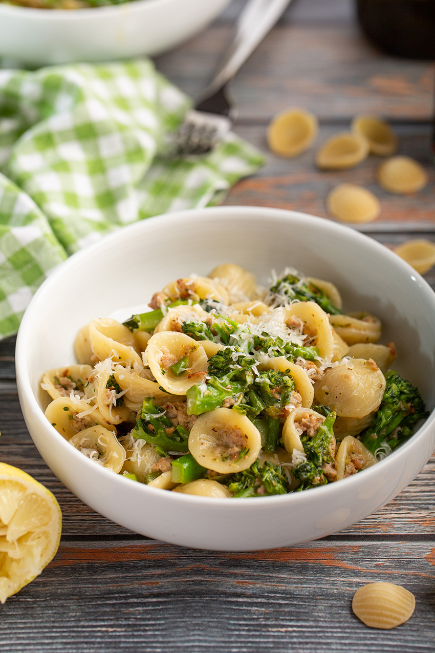 Orecchiette with Sausage and Broccolini #pasta #italianrecipe #orecchiette #sausage #seemoresausage #broccolini #dinner #dinnerrecipe #weeknight | The Missing Lokness