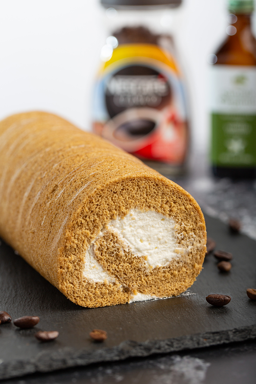Coffee Swiss Roll #coffee #swissroll #cakeroll #chiffoncake #baking #dessert #dessertrecipe #whippedcream #asiandessert | The Missing Lokness