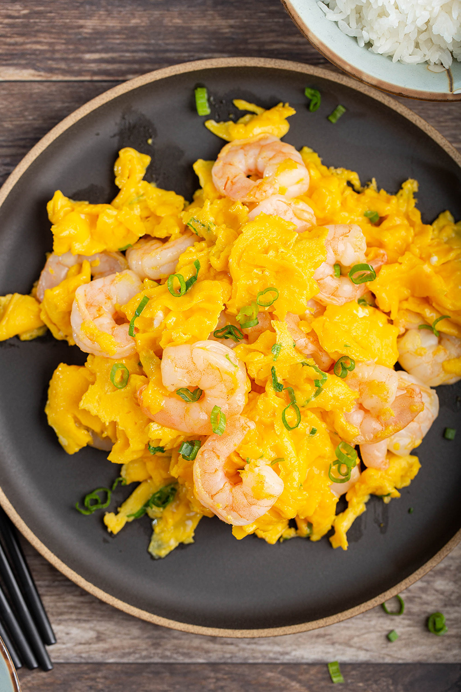 Stir-Fried Shrimps and Eggs | This classic Chinese dish needs 6 ingredients. YES, eggs can be for dinner too! #stirfry #shrimp #seafood #egg #chineserecipe #easyrecipe #dinner #dinnerrecipe | The Missing Lokness