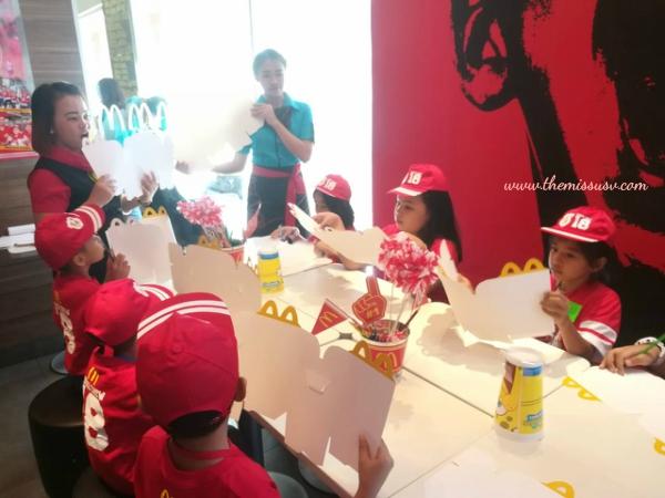 McDonald's Kiddie Crew Workshop-Happy Meal Box Station