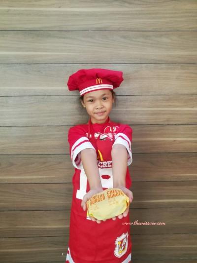 McDonald's Kiddie Crew Workshop - Making Burgers