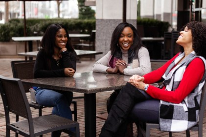 Women-friends-laughing-640x427-2
