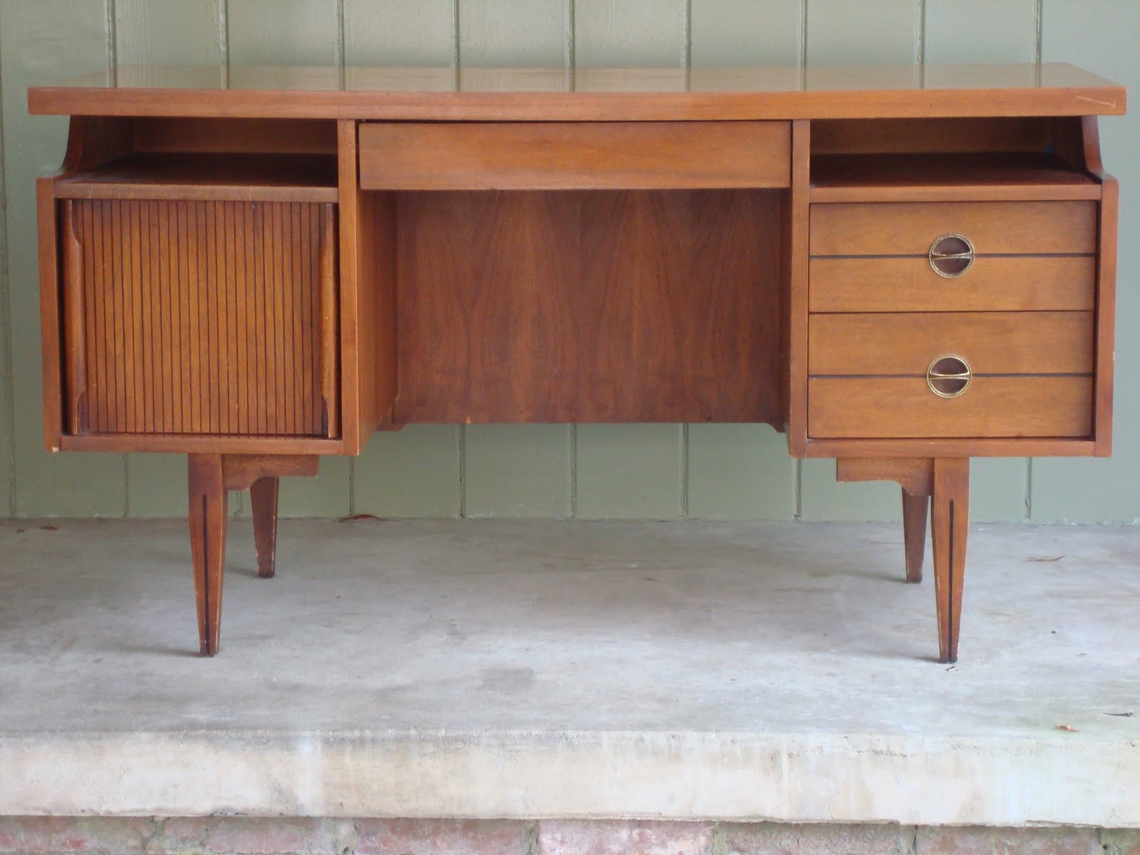SOLD Midcentury modern walnut Hooker desk  themodern60