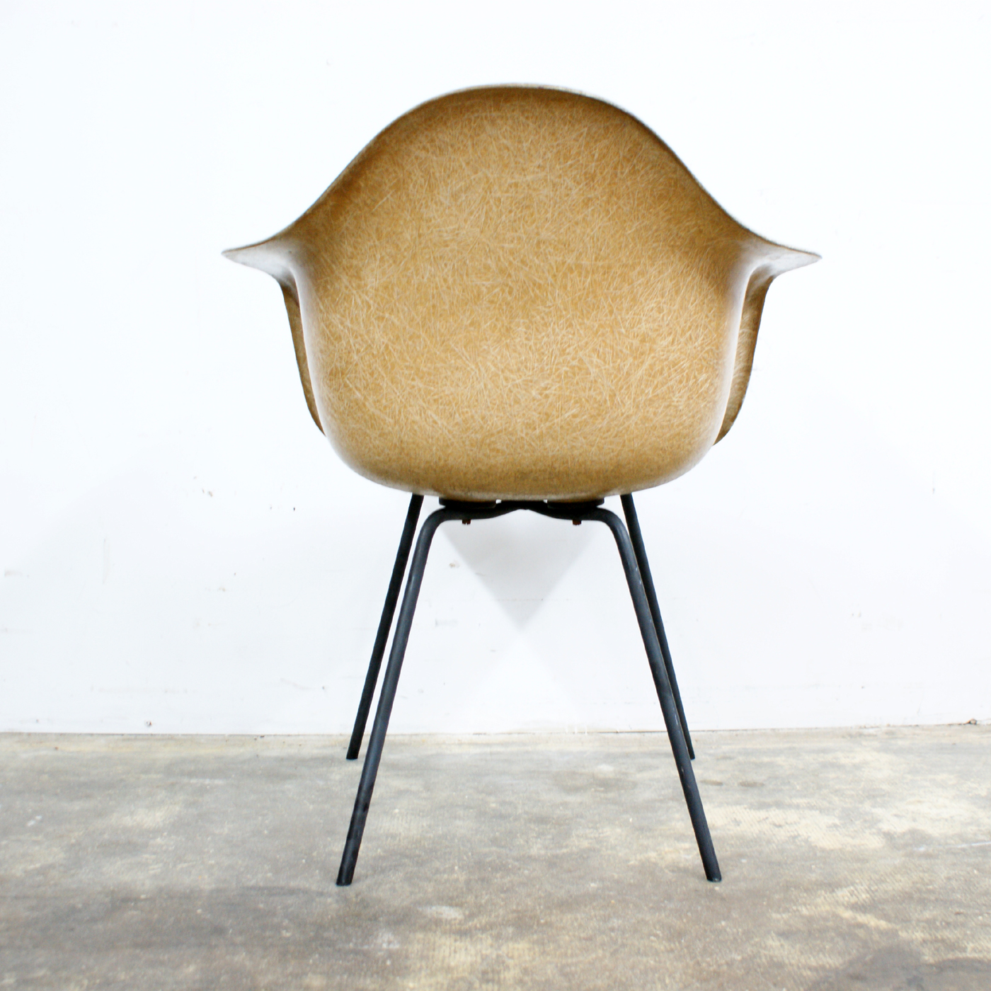 Herman Miller Shell Chair Early Production Charles Eames Herman Miller Shell Arm Chair