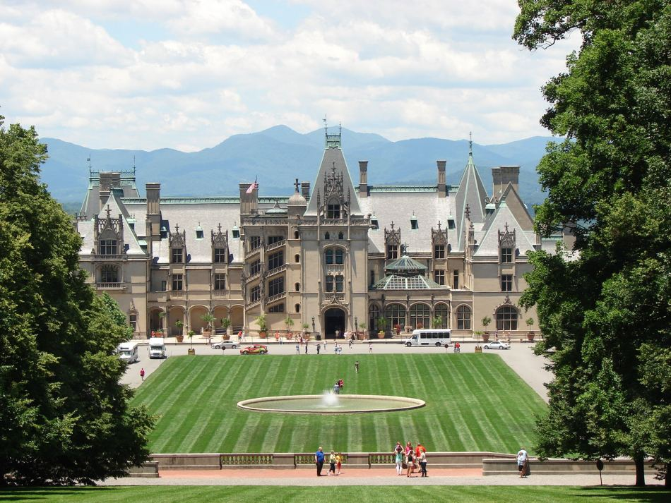 Biltmore_Estate,_Asheville,_North_Carolina.jpg