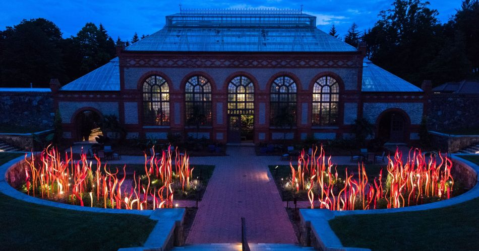 636626664909463868-ChihulyNight-MB17-05222018