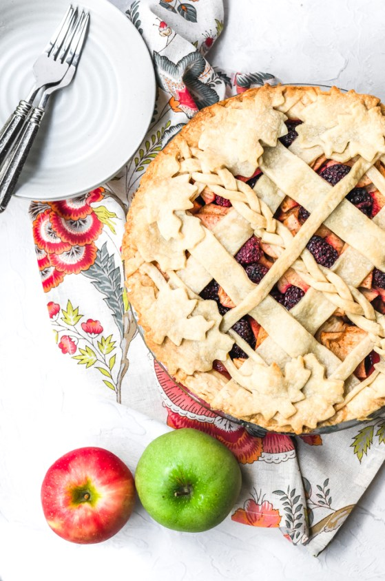 Blackberry-apple-pie-9.jpg