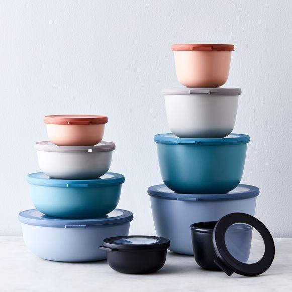 72fc1818-2f57-48bd-bf4b-4940cf868d46--2018-1029_rosti-mepal_microwavable-nested-storage-bowls_family_silo_julia-gartland_046.jpg