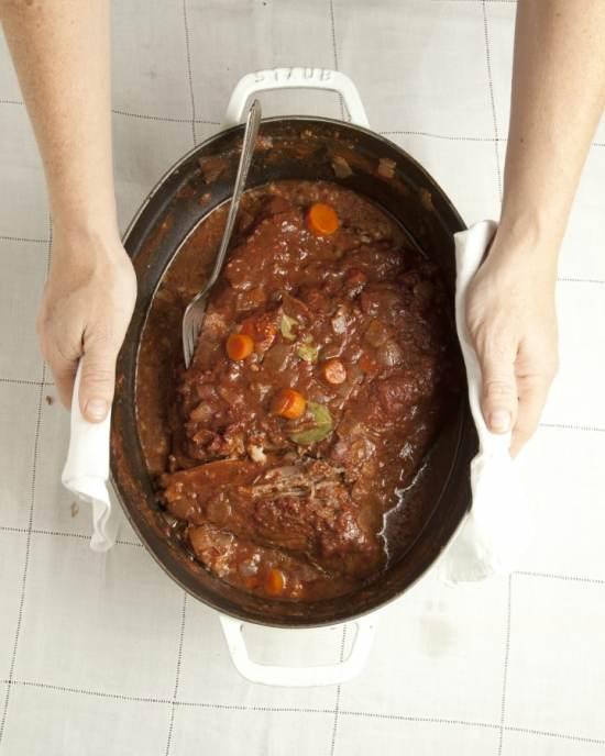 braised brisket in a pot