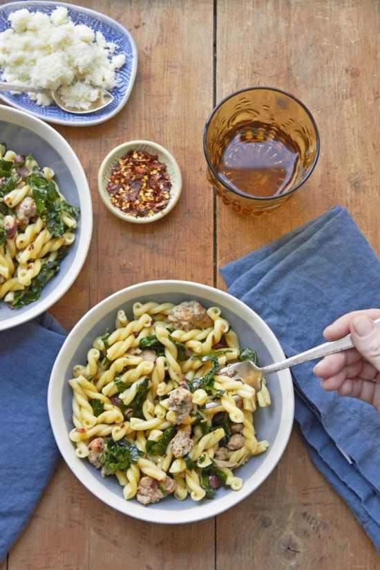 Quick pasta recipes / Mia / Katie Workman / themom100.com