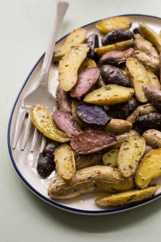 Herb Roasted Fingerling Potatoes / Sarah Crowder / Katie Workman / themom100.com