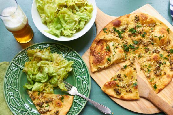 Clam Pizza / Mia / Katie Workman / themom100.com