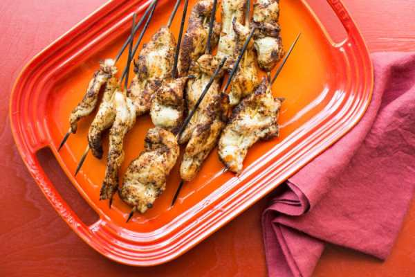thawing chicken in water/Chicken Tender Skewers with Spiced Curry Rub / Sarah Crowder / Katie Workman / themom100.com