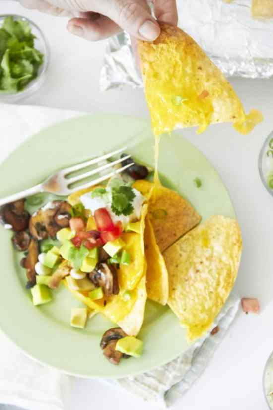 chicken nachos/How to Make a Nacho Bar / Mia / Katie Workman / themom100.com