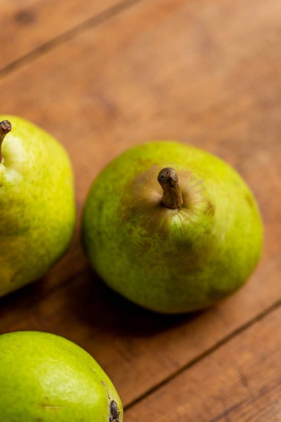 What Are the Best Pears for Cooking and Eating? / Katie Workman / themom100.com / Photo by Cheyenne Cohen