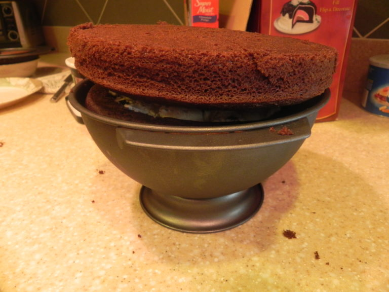 Easy Recipes How To Make A Baseball Cake The Mom Maven