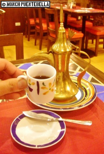 In Turkey, this type of coffee is served in small espresso cups called fincan. Arya got it close enough to the real thing.