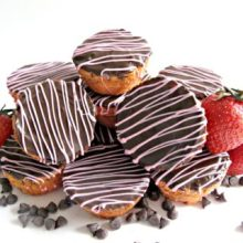 Chocolate Strawberry Blondie Bites
