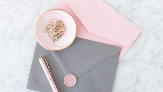 how to use the envelope budgeting system to actually save money and live a better lifestyle