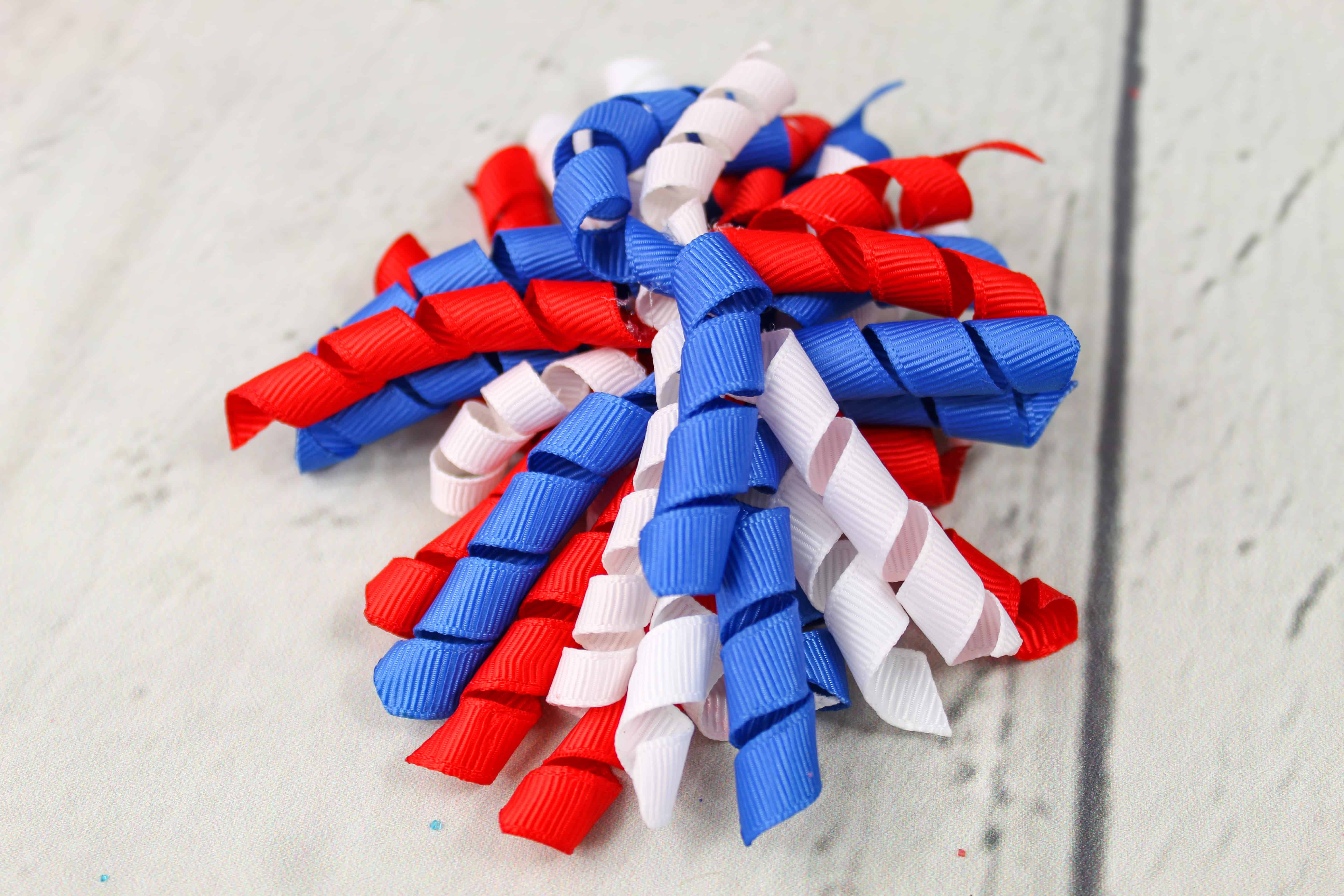 DIY Red, White, and Blue Patriotic Korker Hair Bow