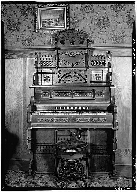 The organ player south carolina ghost story for Classic house organ sound