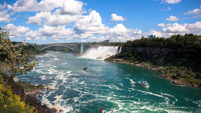 Niagara Falls – Which Side Is Better?