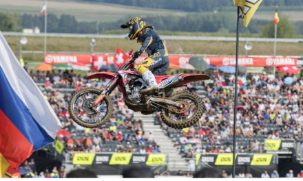 Gajser steps up with top-three finish in second moto at Frauenfeld