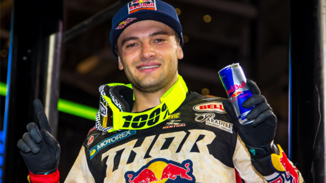 WEBB CAPTURES IMPRESSIVE COME-FROM-BEHIND VICTORY AT ARLINGTON SX