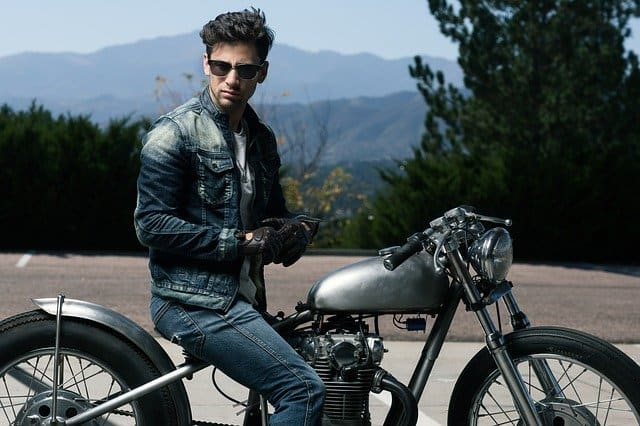 Best Motorcycle Glasses (Sunglasses): Which one is for You?