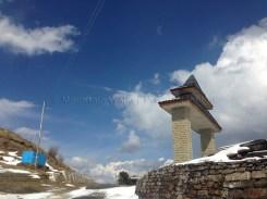 Wide blue skies above Hatu peak. photo: sanjay mukherjee