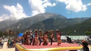 School children performing at the Sangla Festival 2016; Photo: Abhinav Kaushal