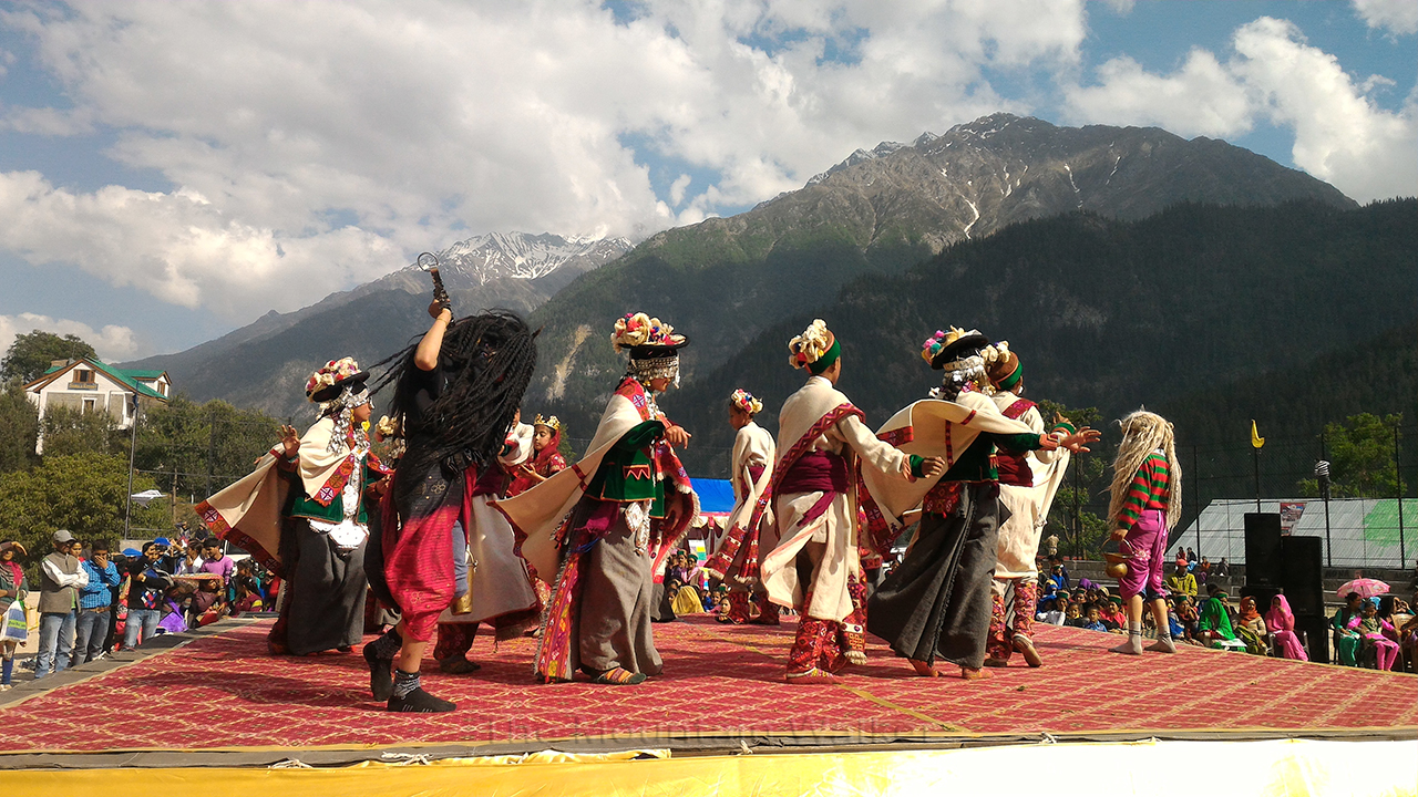 Children performing a song depicting the 7-day Holi festival held in Sangla every year; Photo: Abhinav Kaushal