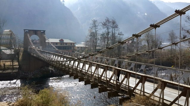 wm-bridge-on-river-pabbar