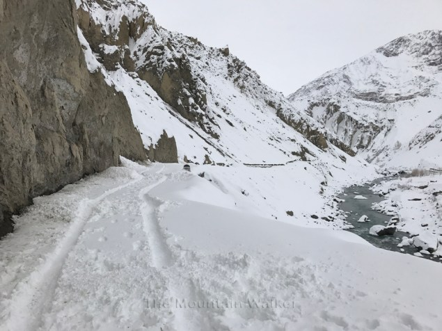 The road along the Spiti river at Mane Dhank; Photo: Abhinav Kaushal