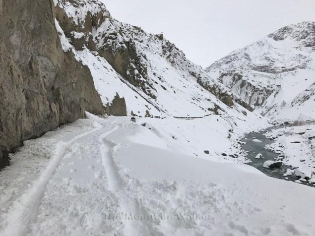 The road along the Spiti river at Mane Dhank; Photo: Abhinav Kaushal