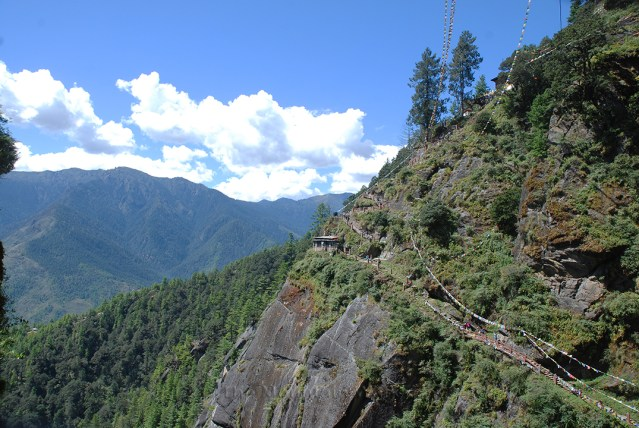 Hike to Tiger Nest 07