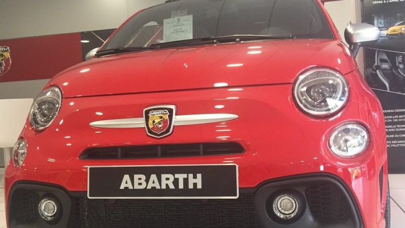 TheMouse sur YouTube: Ça y est je sais pourquoi j'ai envie d'une Fiat 500 rouge