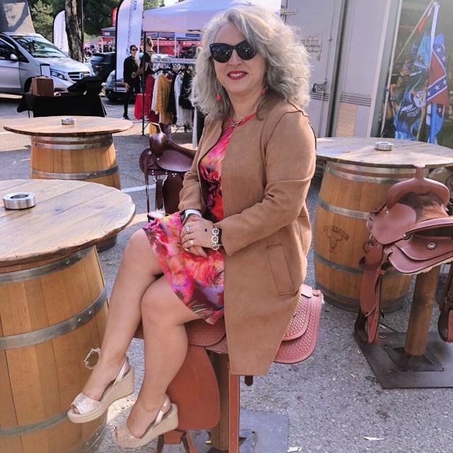 50 ans, abarth, Mode, selle, idee look, Nice Motor show, Fashion, tendances, quinqua, bleu d'azur, abarth