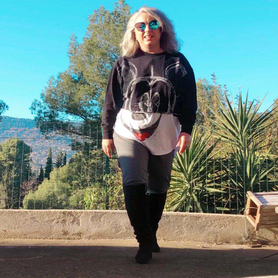 50 ans, teambeautesmajuscules, Disney, look, tendances, desigual, quinqua, idee look, Fashion, Mickey, Mode, mes cadeaux de noël, cuissardes, Jennyfer, pied de puce