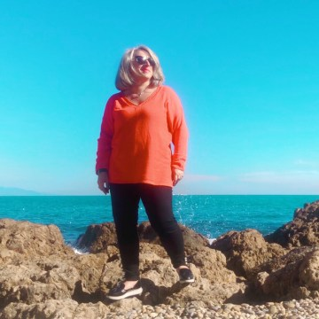 50 ans, mode Quinqua, teambeautesmajuscules, tendances, look, quinqua, les georgettes, apple, idee look, bleu d'azur, Fashion, Mode, port vauban, antibes, calzedonia,