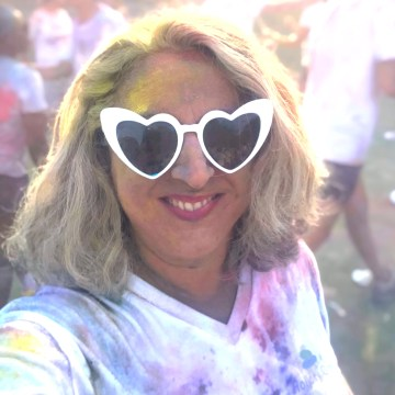 50 and fabulous, color party, on veut du vrai, happy quinqua, le ridicule ne tue pas, color run, color, happy silver, holiday green, quinqua, silverhair, 50ansetalors, la vie en couleurs, modele senior silver curve, silver,